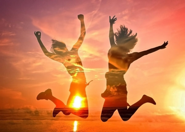 10 Habits of Supremely Happy People